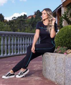 Conjunto de blusa manga curta e calça preto listra azul